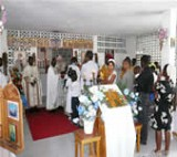 Members of the ROCOR<br>mission in Haiti at liturgy